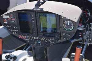hy4-cockpit1